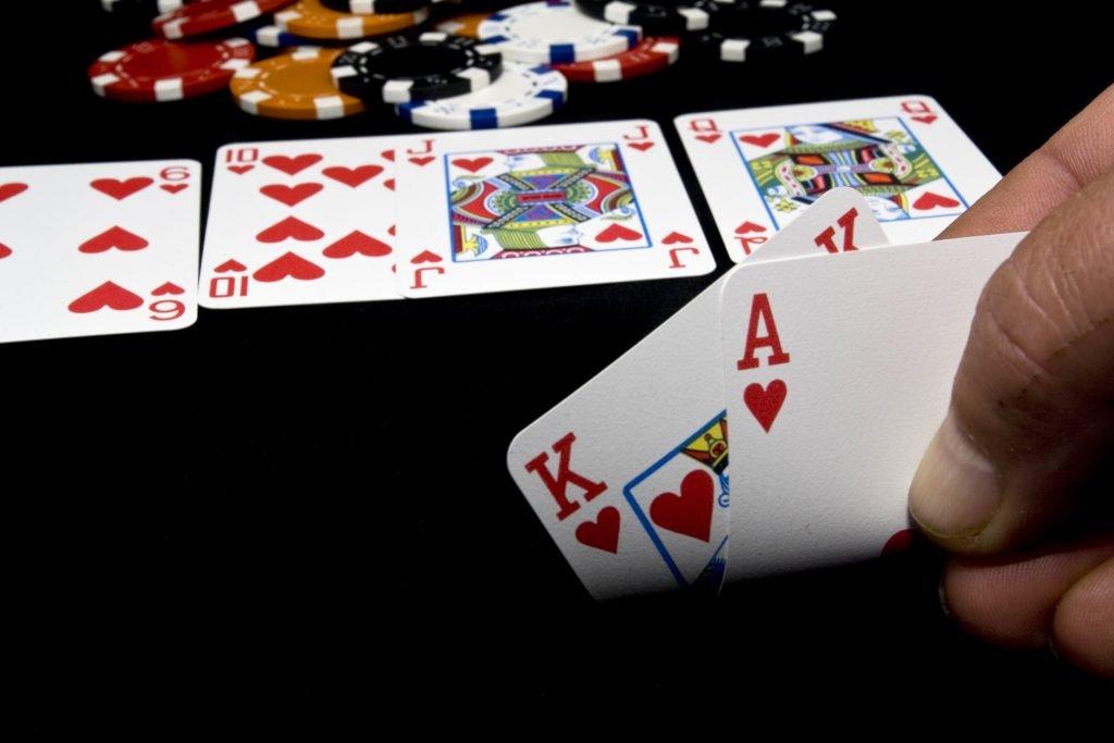 kec i kralj u kazino holdem poker